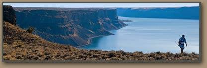Bruce Bjornstad hikes along Grand Coulee rim.