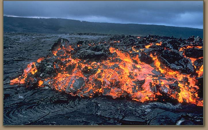 USGS Photo of lava flow advancing over the coastal plain of Kîlauea in Hawaii, United States.